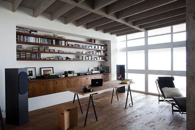 Планируя интерьер рабочего пространства, задумайтесь о функциональной составляющей. Для чего предназначен домашний кабинет