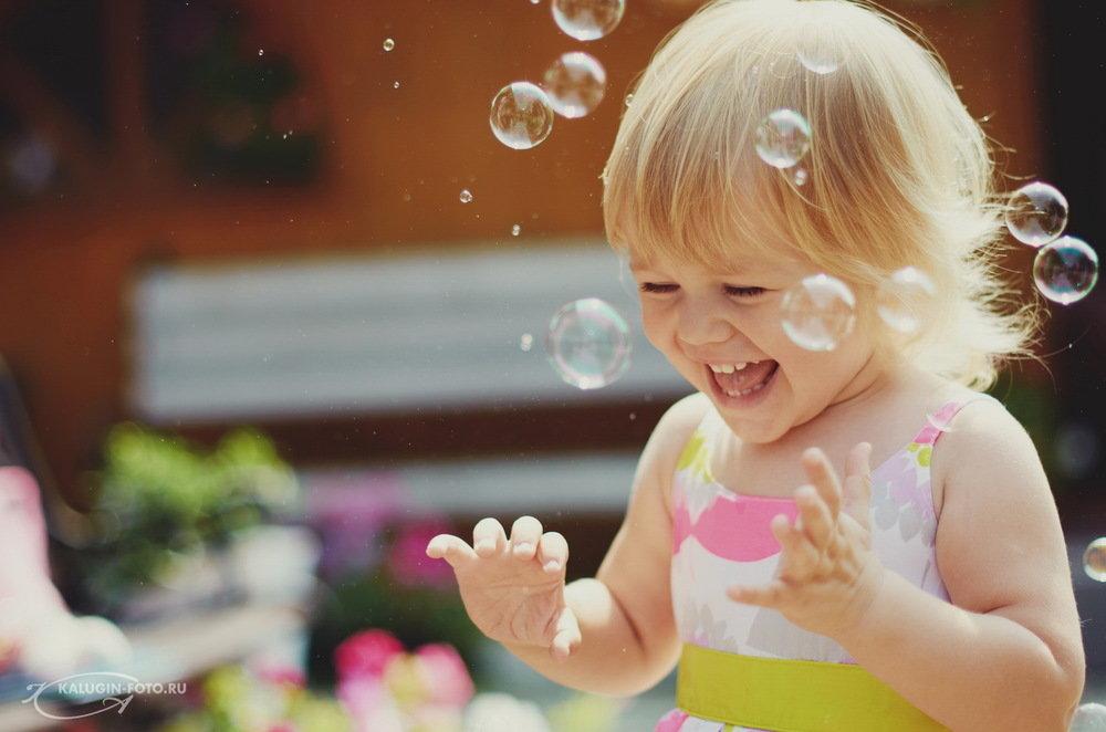 картинки с мыльными пузырями с детьми писать серию