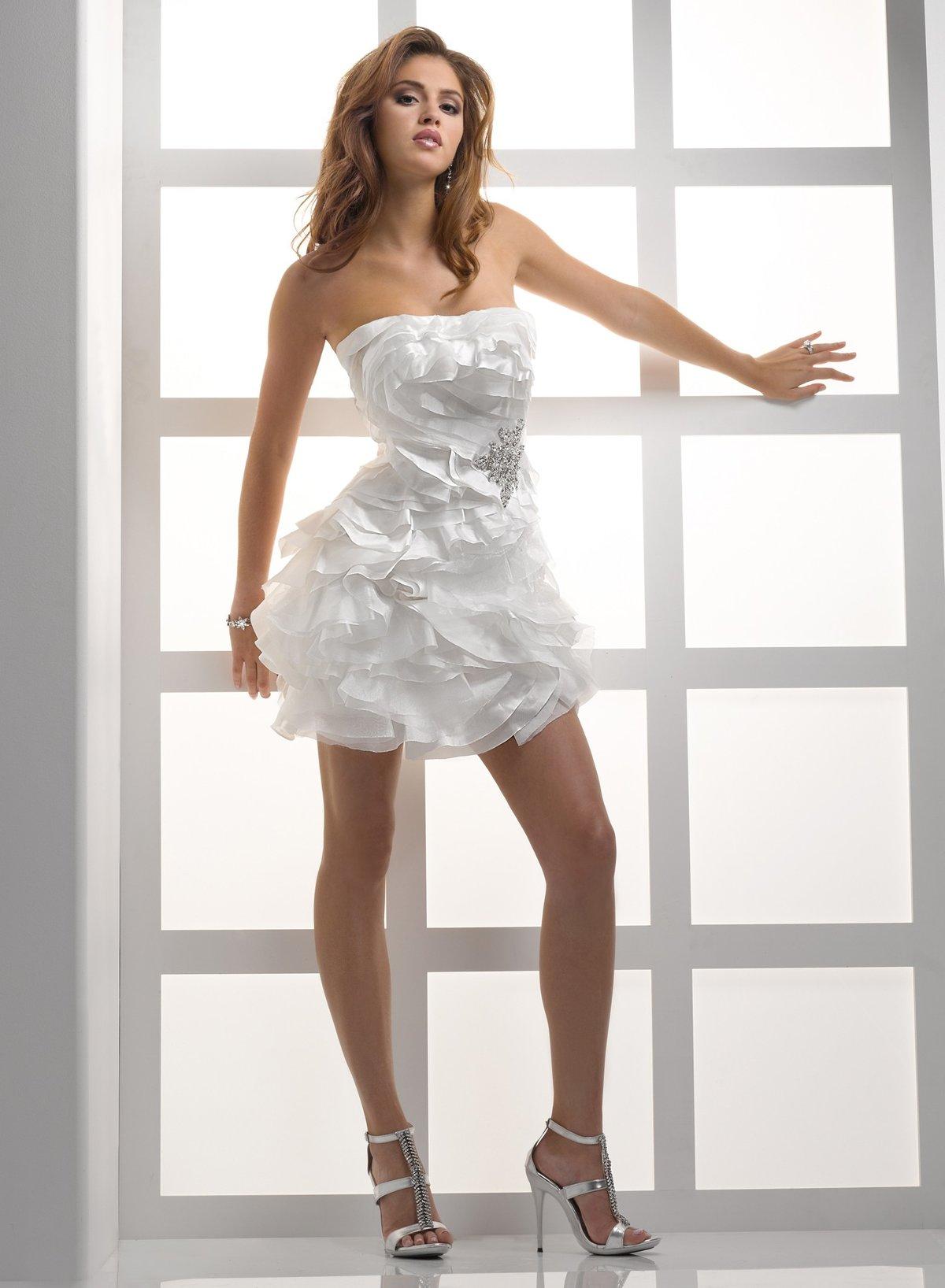 образом, моменту фото невест в коротком платье новой
