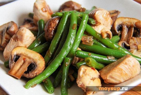 Салат с грибами и зеленой стручковой фасолью