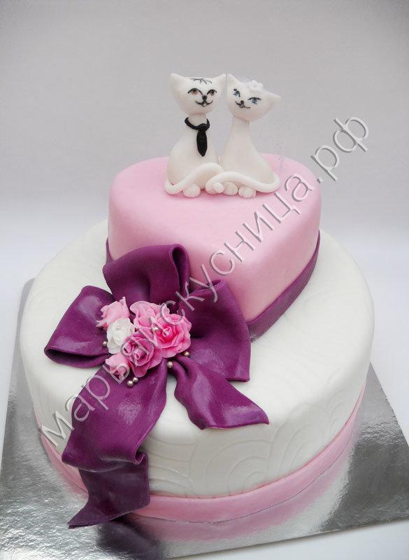 Оригинальный свадебный торт.