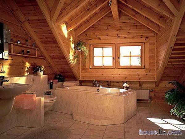 Деревянная совмещенная ванна.