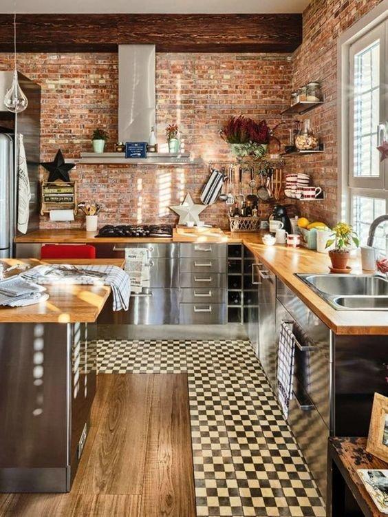 Кухня в старом доме