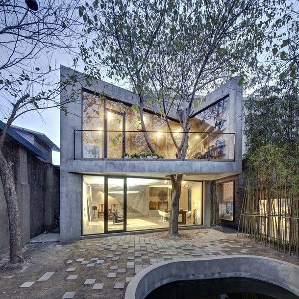 Красивый стеклянный дом