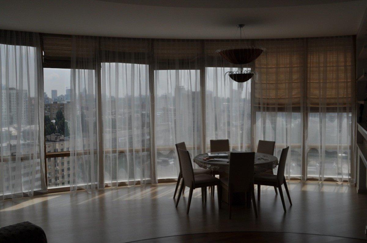 тюли на витражные окна фото просто