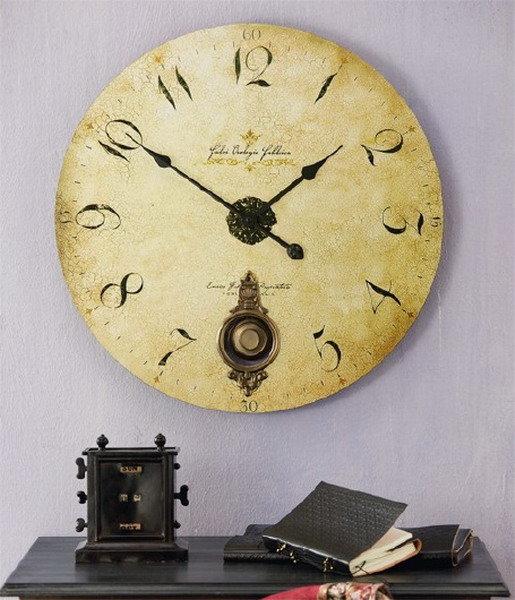 Состаренные настенные часы