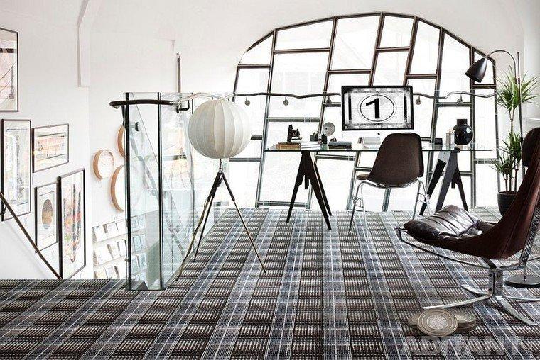 Домашний кабинет на втором этаже - Дизайн в светлых тонах