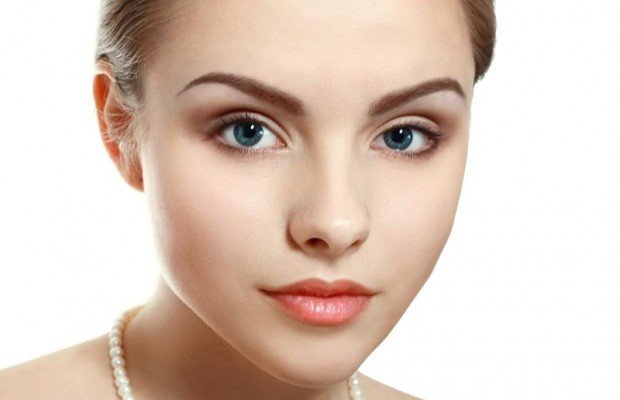 Давайте сегодня разберемся, как сделать красивый повседневный макияж, фото которого помогут лучше понять особенности техники мейкапа