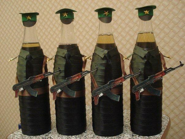 Как украсить бутылку к 23 февраля