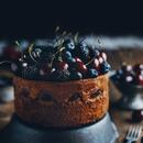 Шоколадный торт-мусс с черешней