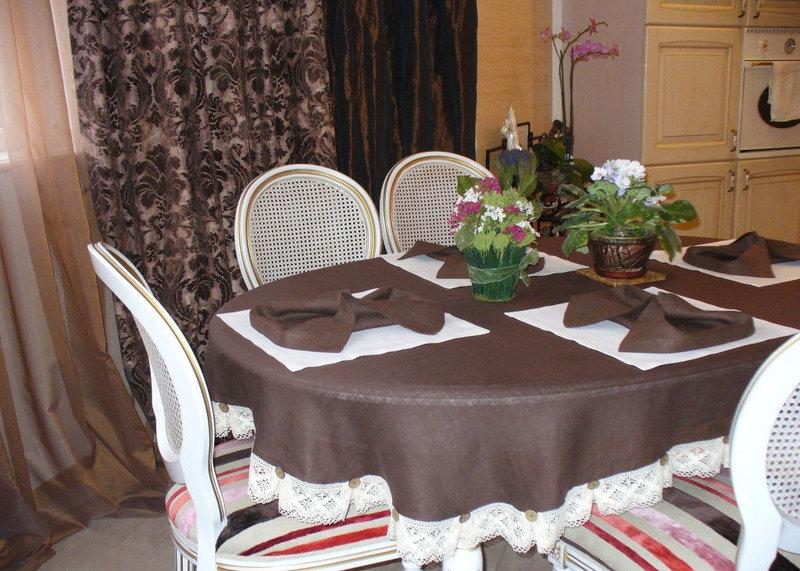фото скатерти на овальный стол