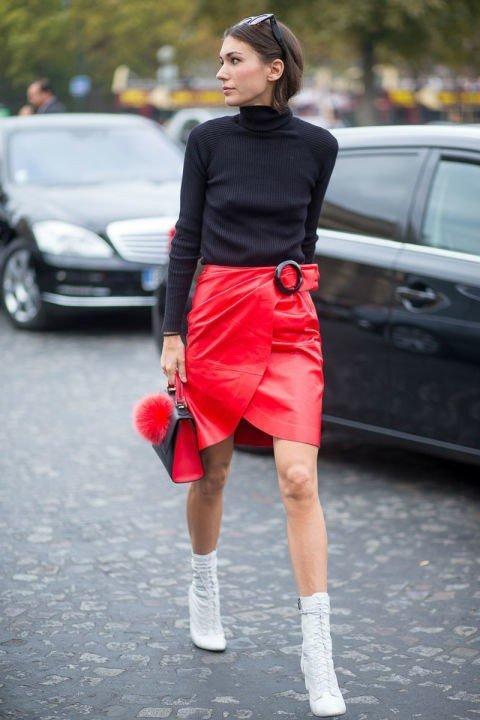 Строгая красная юбка