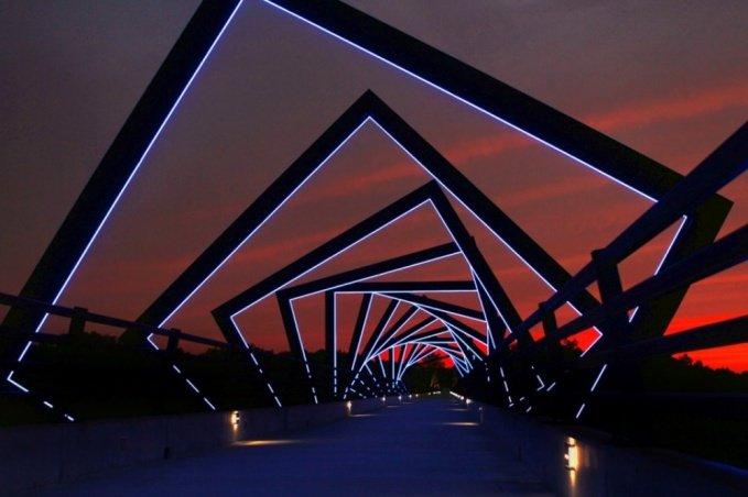 Невероятные и гипнотизирующие: необычные мосты мира