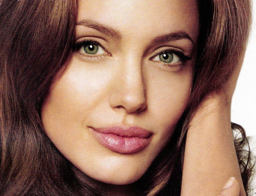 foto-krasivih-zelenoglazih-aktris-grubi-porno-lesbiyanok