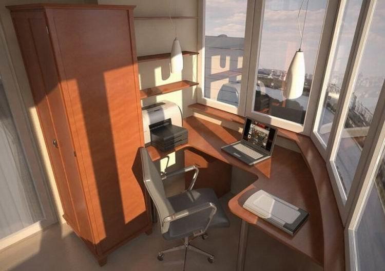 В небольшой квартире можно устроить себе маленький офис прямо на балконе. Смотрите идеи дизайна домашнего кабинета на балконе или лоджии