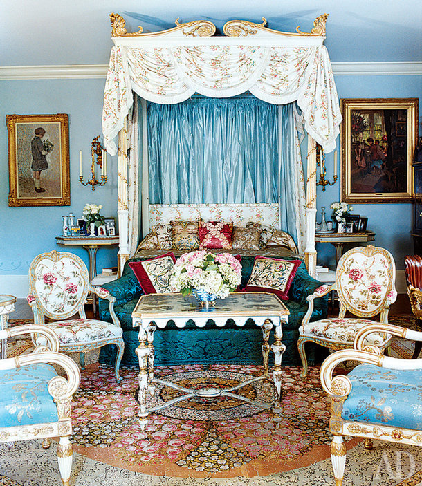 Самый ранний период, под который можно стилизовать текстильный декор – барокко.
