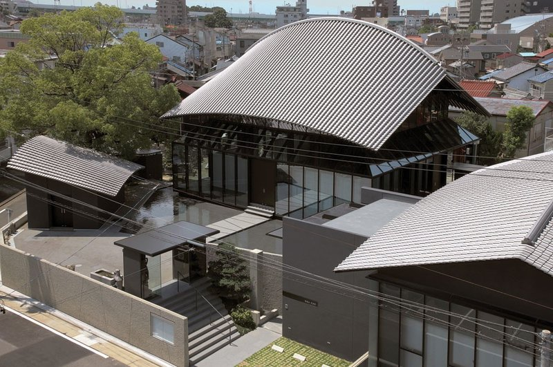 Один из судей восхищался эффектностью строения: «Изогнутая крыша играет главную роль. Это выглядит на удивление свежо и беспрецедентно.