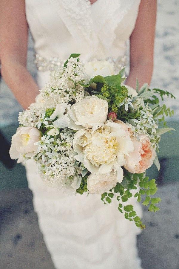 Невесты, какие цветы в сентябре для свадебного букета