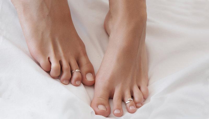 уход за ногами и руками пациента