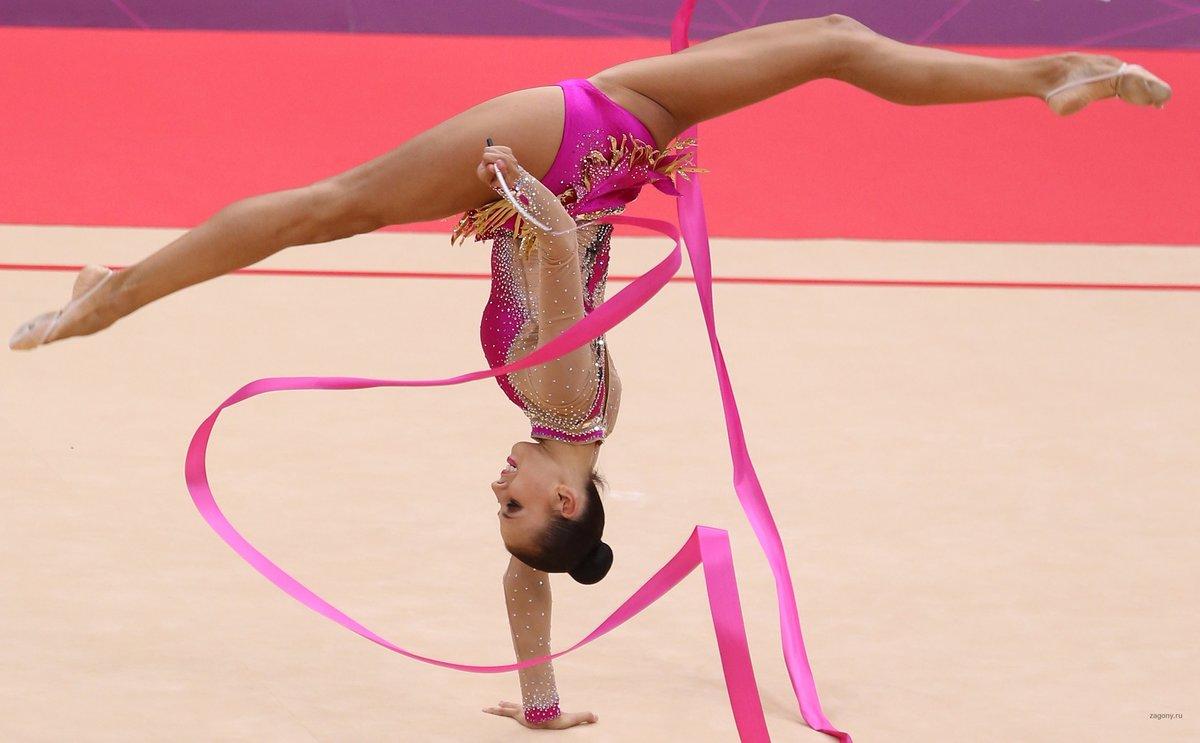 как гимнастки любят показывать менее