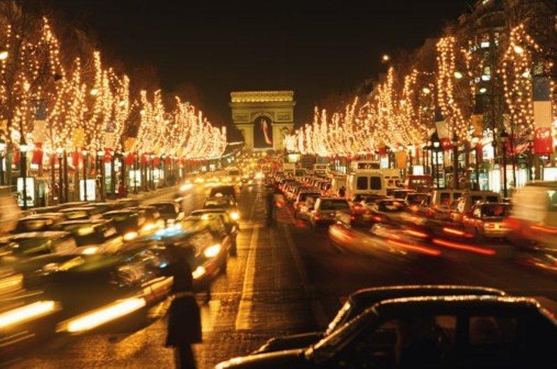 Париж - здесь начинается Франция.