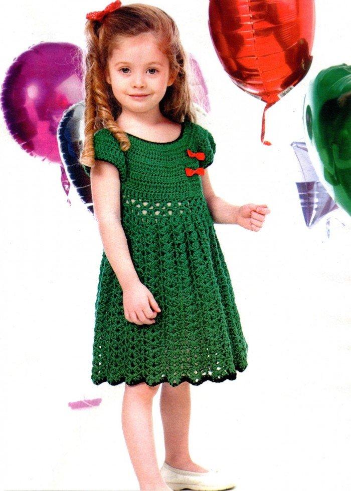 заряжатьПод капотом связала платье дочке внучке на 2 3 годика пожалуйста нужно