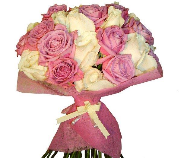 Купить цветы, букет девушке на день рождения 18 лет