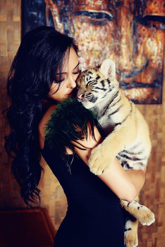 Ава для девушки тигрица