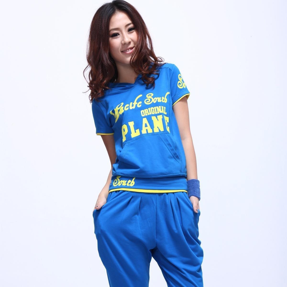 Женская модная спортивная одежда - фото для всех видов спорт ... b2948391a08