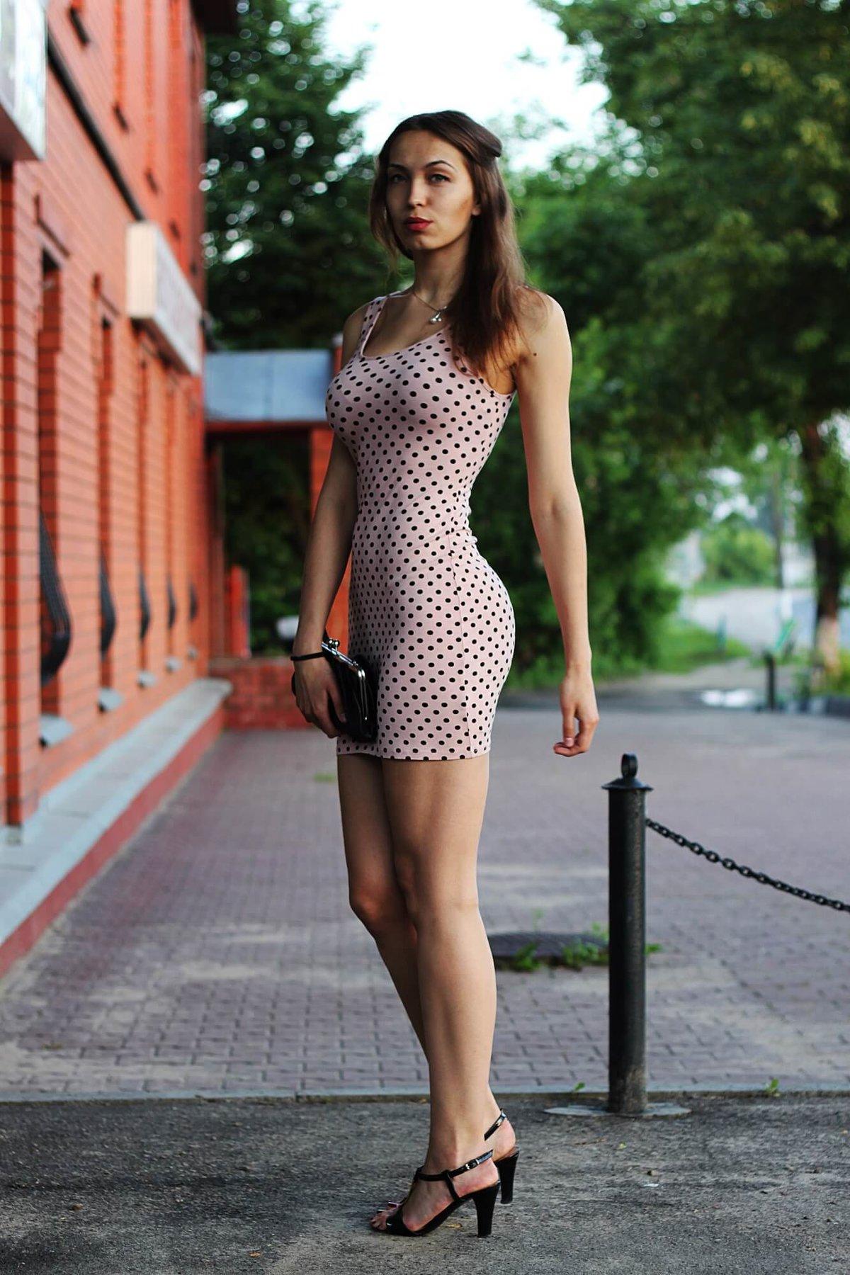 смотреть фото красивых девушек в коротких платьях контроль над