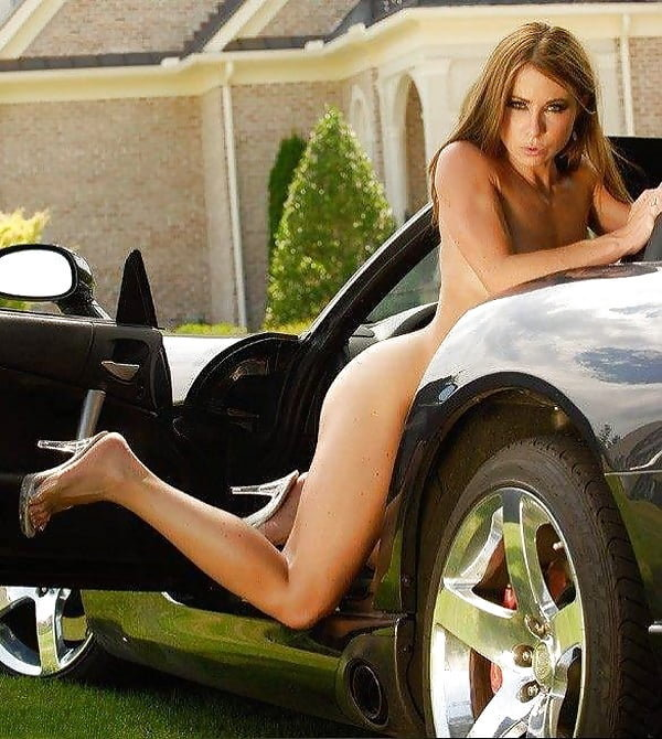naked-girls-and-cool-cars