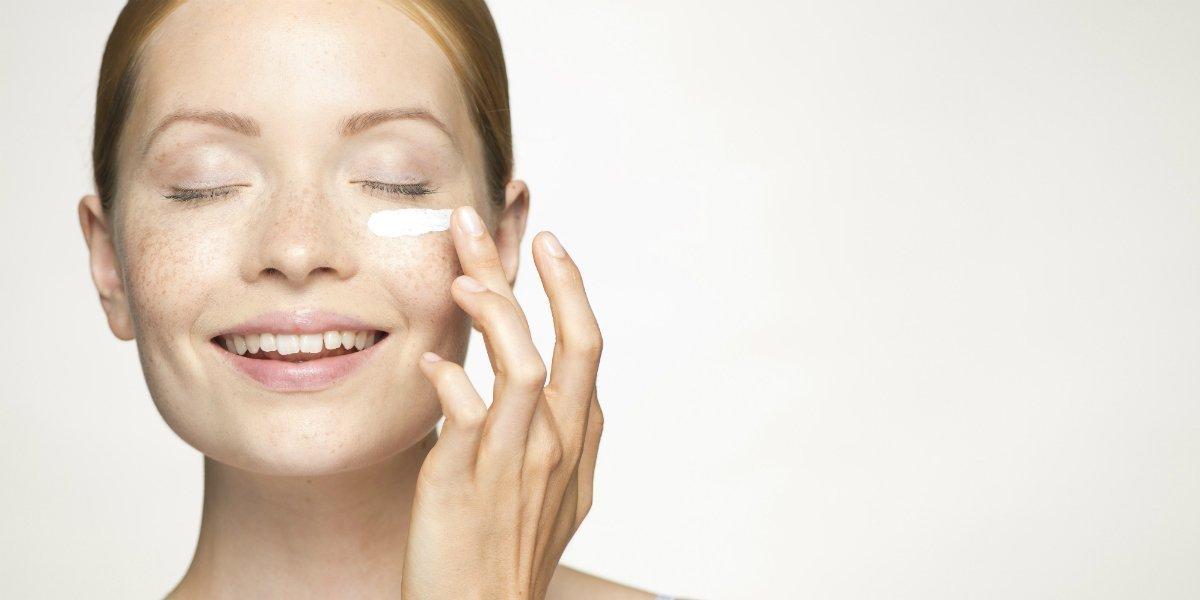 Как убрать глубокие морщины под глазами?