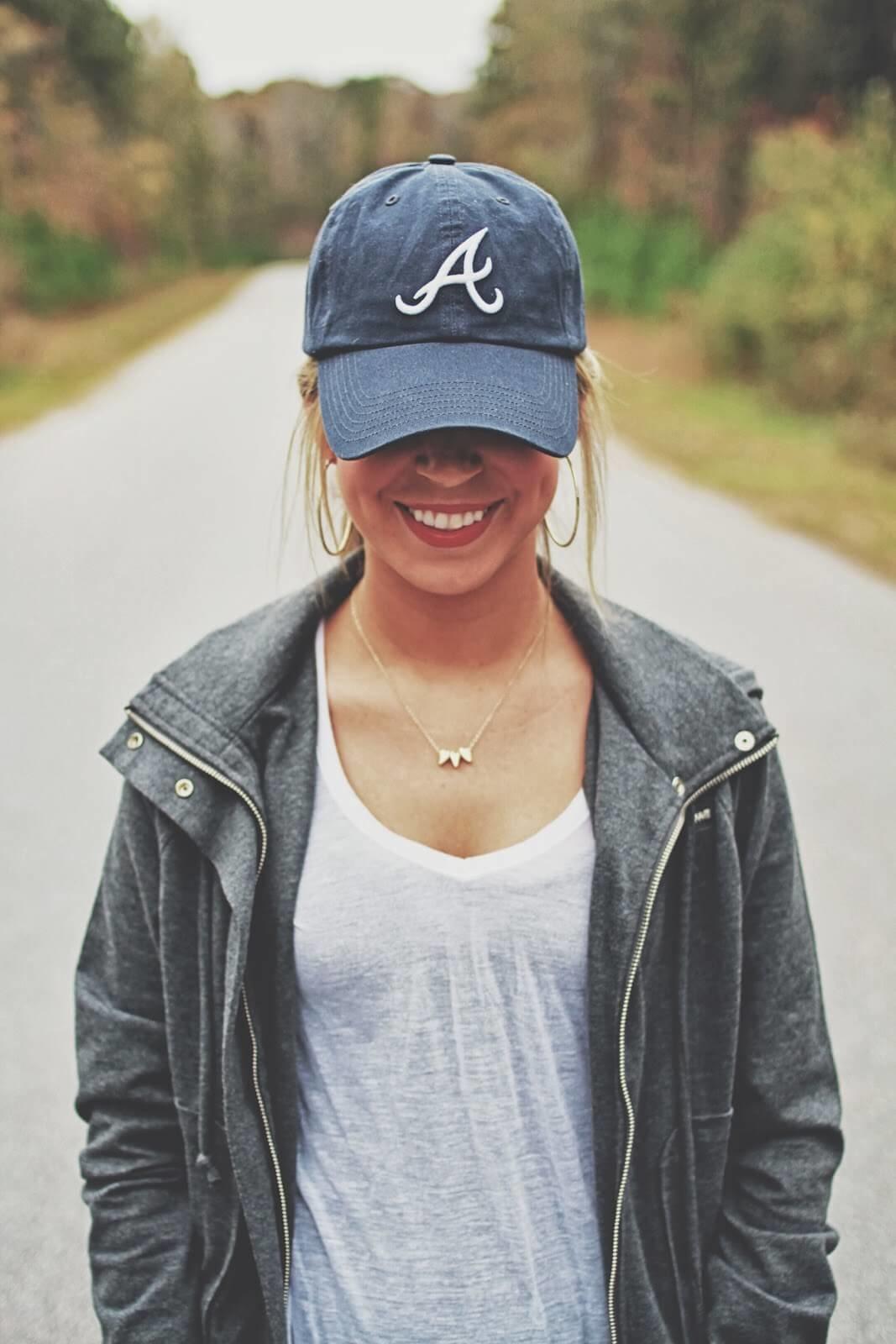 фото девушек в кепках оценивайте, делитесь