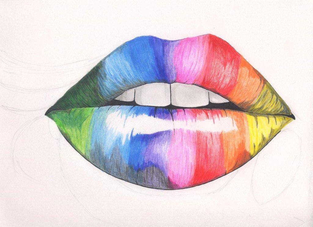 Картинки нарисованы карандашами разноцветные
