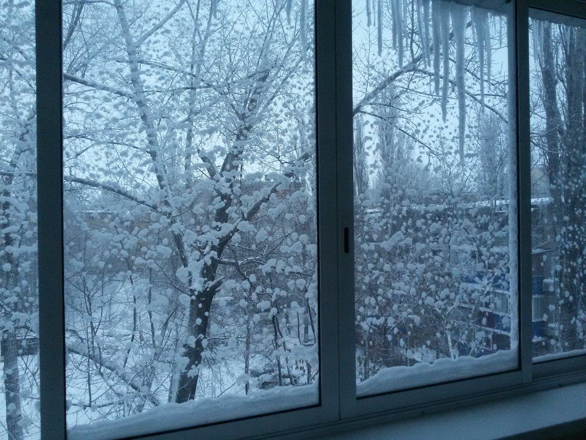 Снегопад за окном картинки