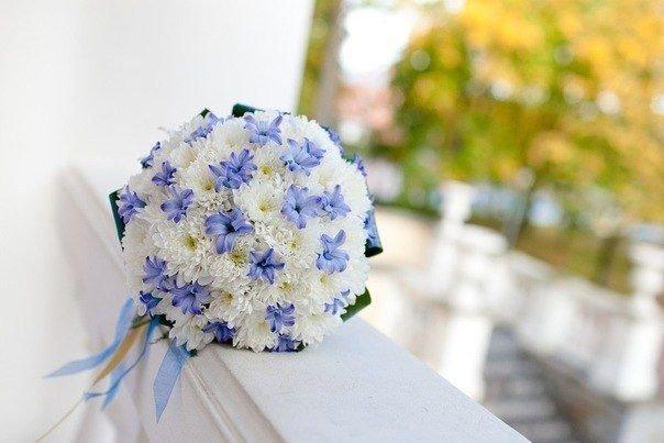 Букет для подружек невесты из хризантем, цветы