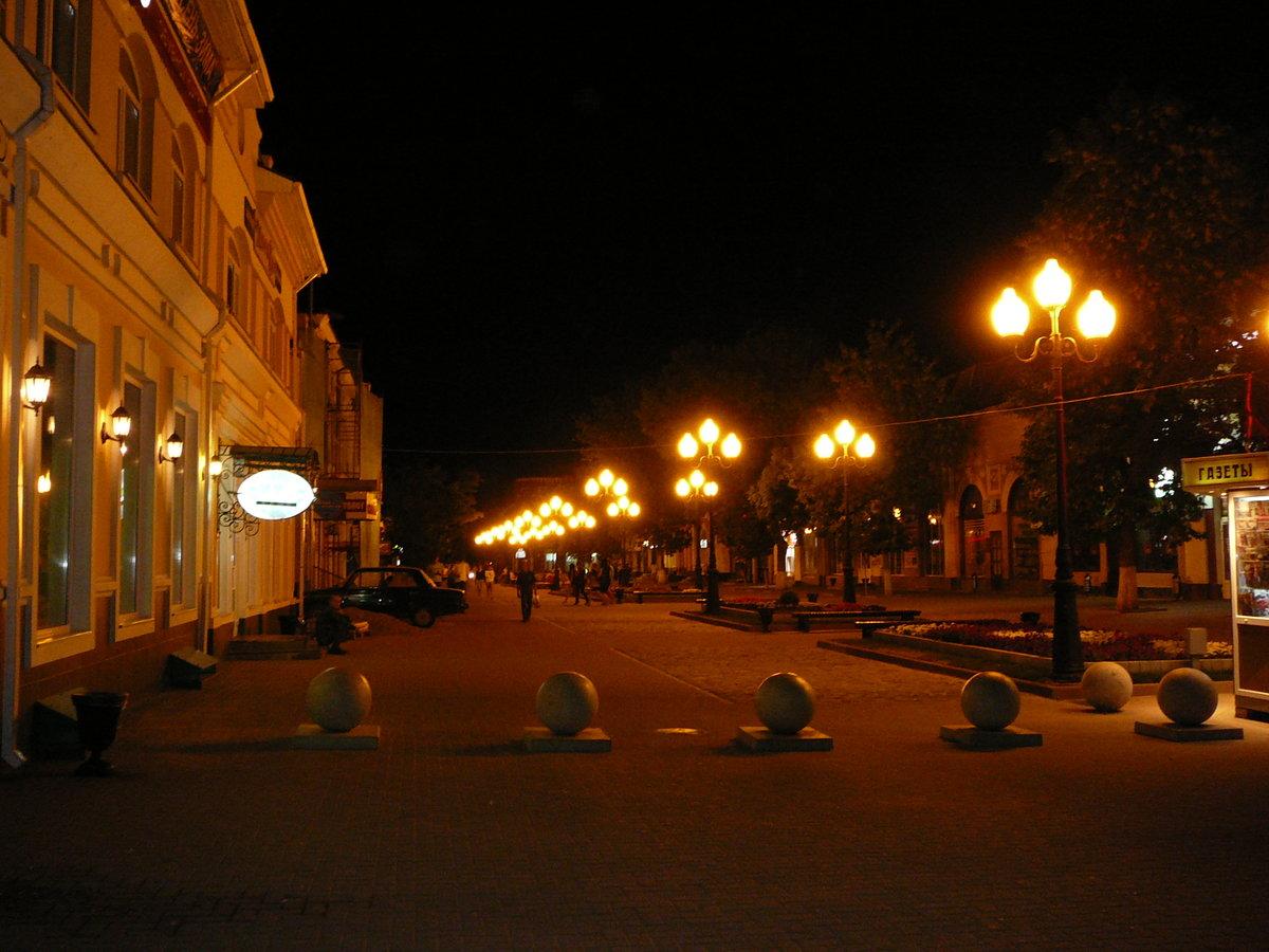 считали фото улиц ночного ейска могут