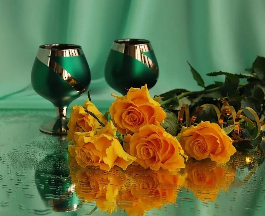 Музыкальная открытки с розами с днем рождения, новым годом поздравлениями