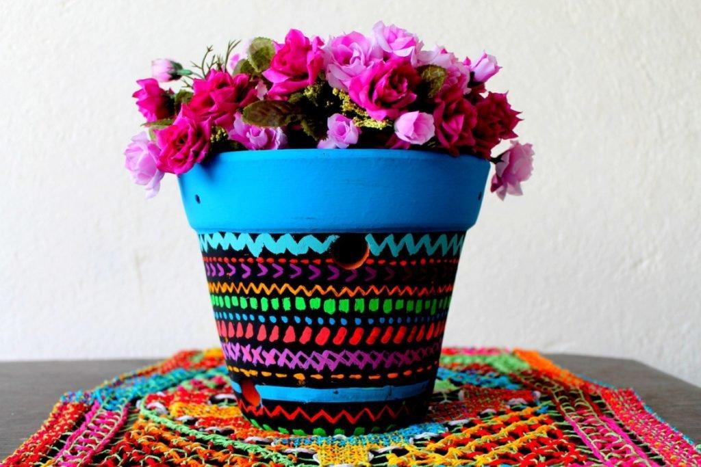 как украсить горшки для цветов фото