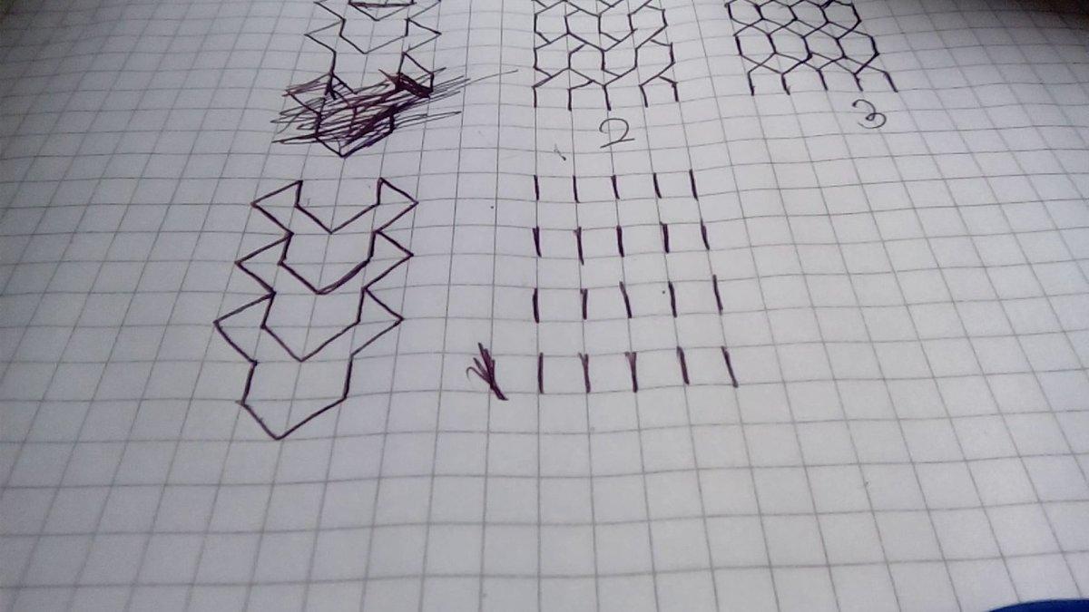 три де картинки карандашом на бумаге в клетку