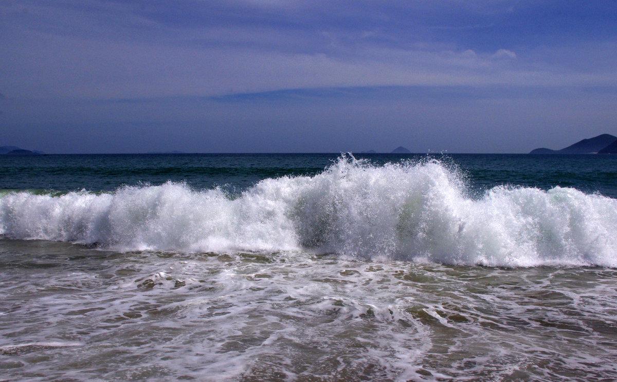 Фото морской волны с пляжа виды
