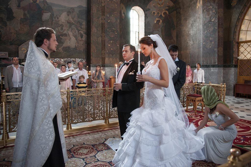 Можно ли фотографировать венчание