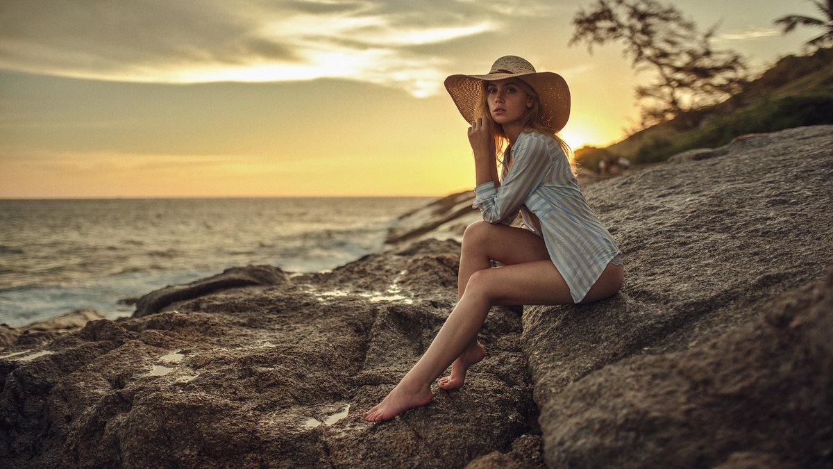 Фирменных, картинки девушка у моря