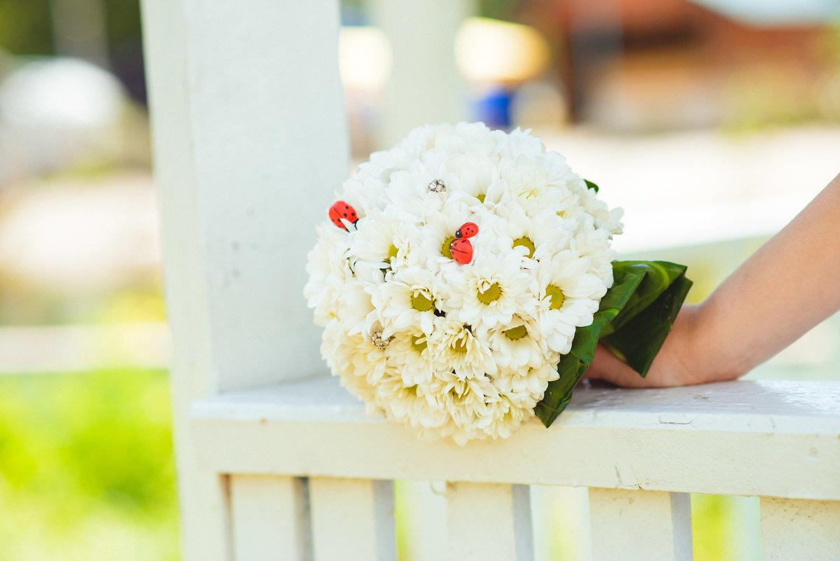 Букет невесты из хризантем летний, тура