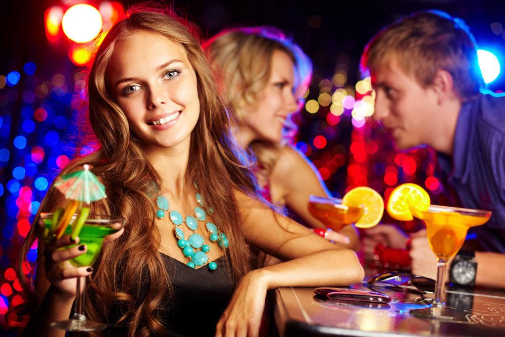 Вечеринка с шаловливыми девушками