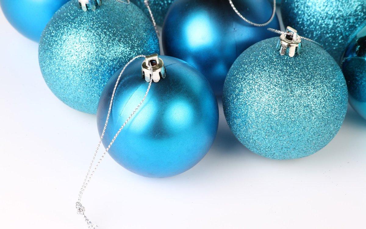 Новогодние картинки шары синие, пасху