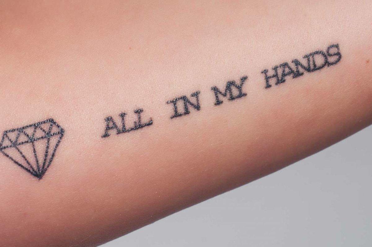 Татуировки на руках картинки с надписями, индийском