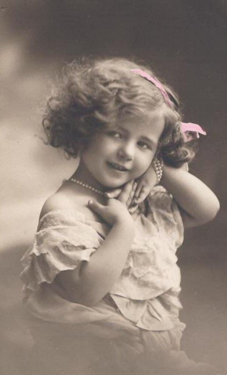 Фото ребенка на открытке