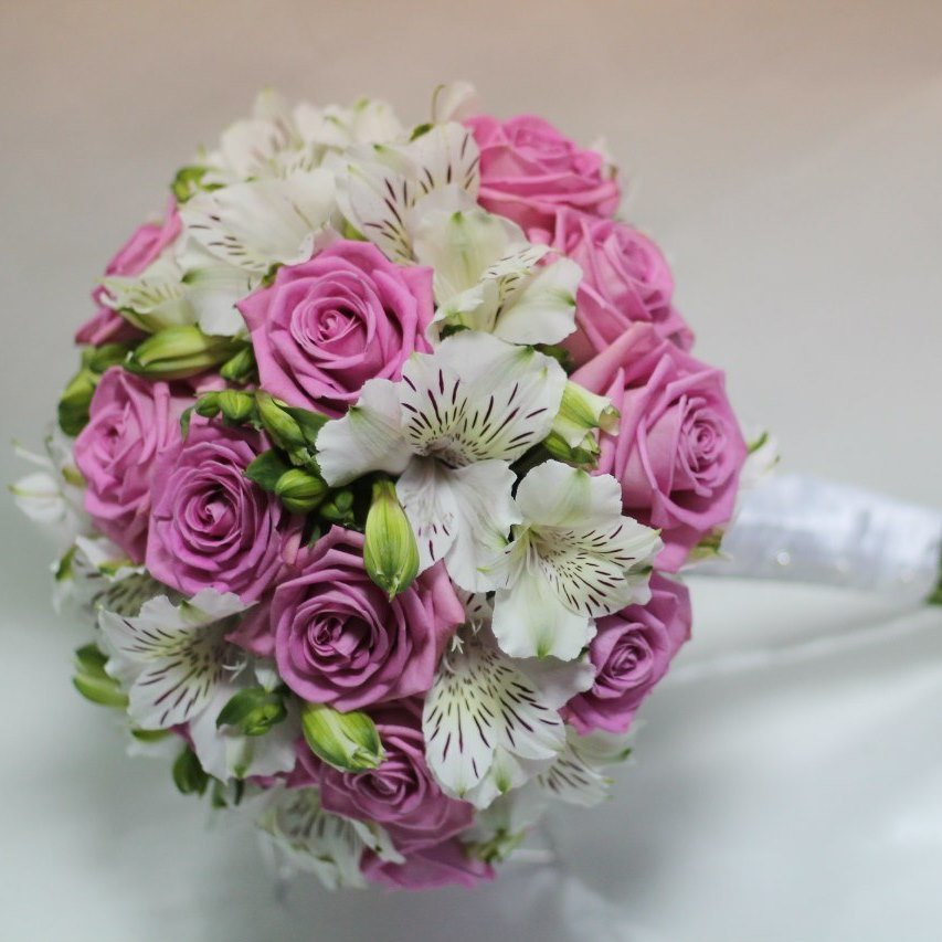 Свадебный букет невесты купить в москве недорого