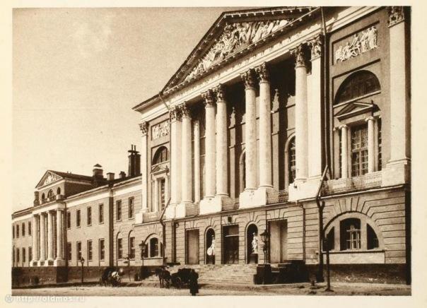 5 июня 1706 года в Москве открыт военный госпиталь (ныне — Главный военный клинический госпиталь им. Н.Н.Бурденко)